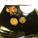 Falafel, Tahini-Soße, Tomaten-Petersilie-Salat